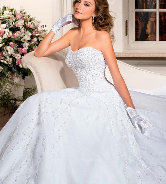 vestido de noiva estilo princesa